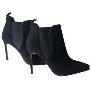 Manolo Blahnik Shoes - Manolo Blahnik suede ankle boots